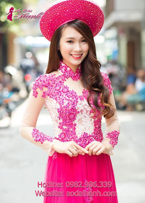 Áo dài cưới màu nude và hồng sen kết hợp đá pha lê cao cấp