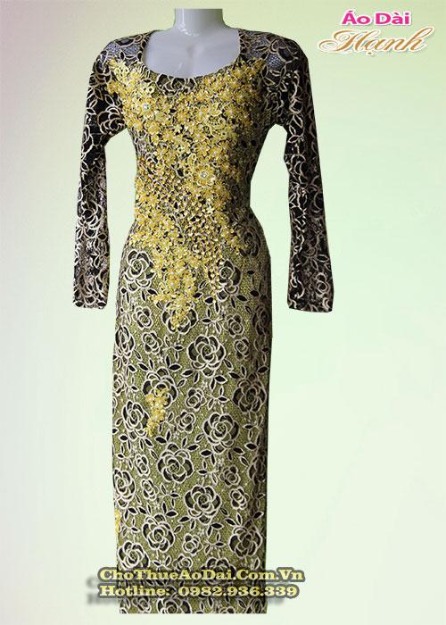 Áo dài đẹp cho phụ nữ trung niên 5
