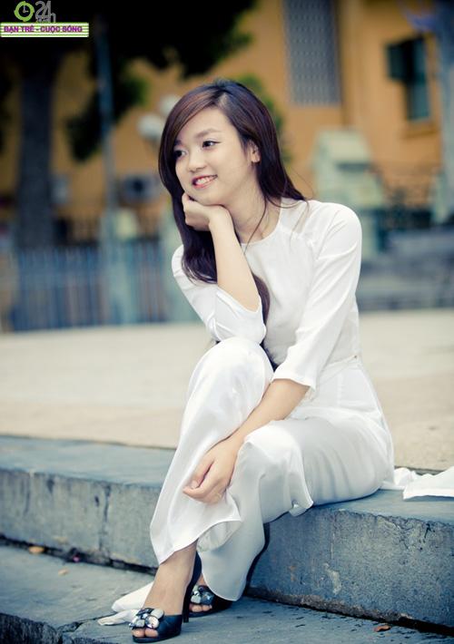 Áo dài trắng nữ sinh 1