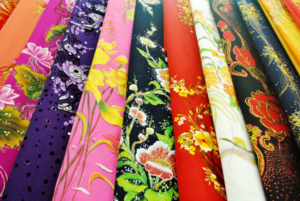 Chọn vải may áo dài