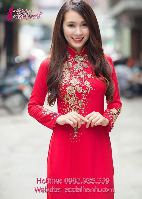 Cô dâu thường chọn áo dài màu đỏ
