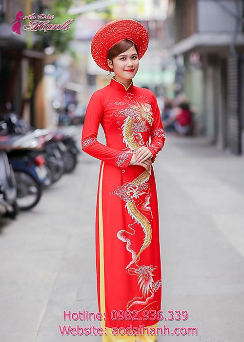 Áo dài cưới họa tiết hình rồng phượng