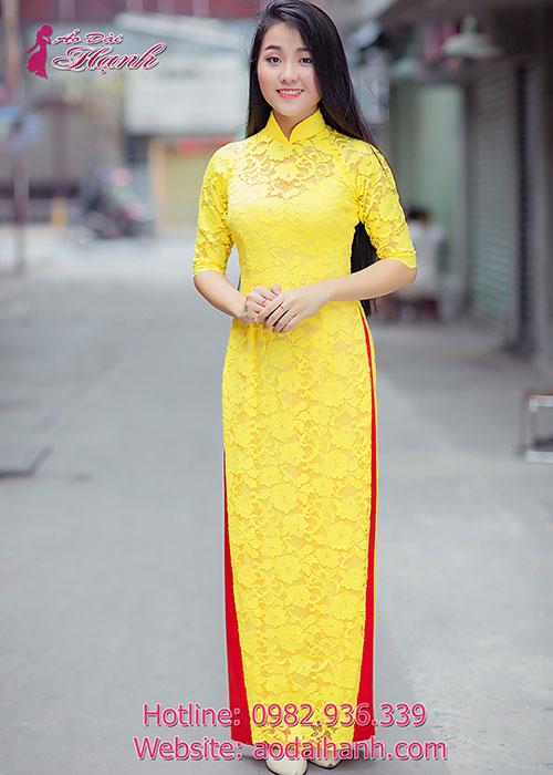 Áo ren màu vàng khiến bạn nổi bật hẳn