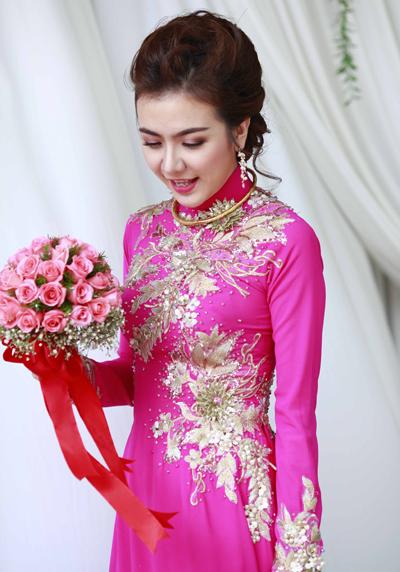 Áo dài cưới in hoa nổi 3D 04
