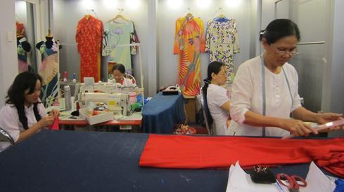 Nơi cung cấp các dịch vụ liên quan tới áo dài 09
