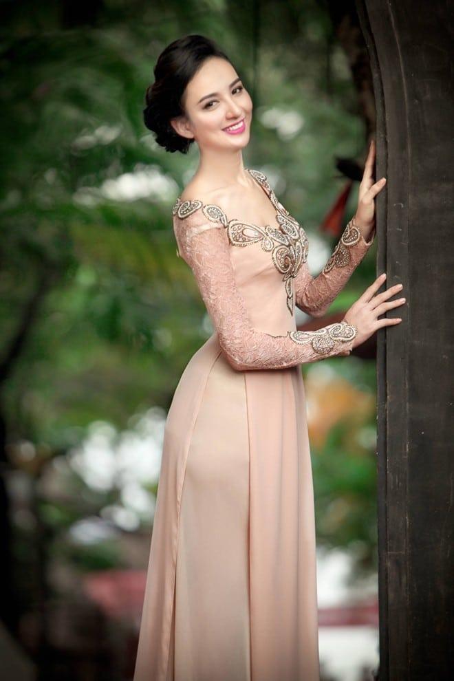 Mẫu áo dài cưới màu nude cho cô dâu 04