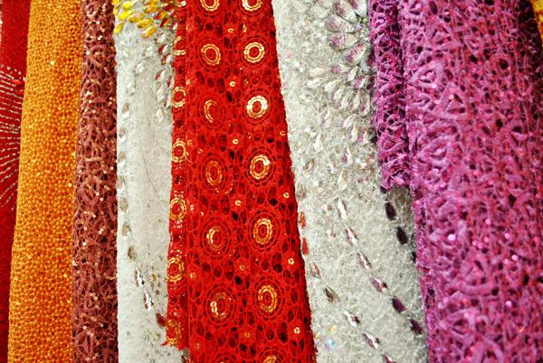 Cùng tìm hiểu các chất liệu vải may áo dài 04