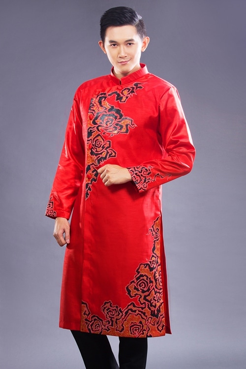 Những mẫu áo dài nam màu đỏ cho chú rể 03