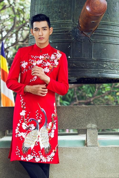 Những mẫu áo dài nam màu đỏ cho chú rể 05