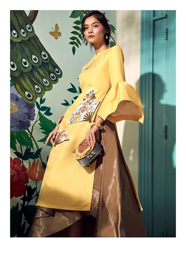 Mẫu áo dài cách điệu phần cổ tay phồng tạo nên nét ấn tượng cho người mặc