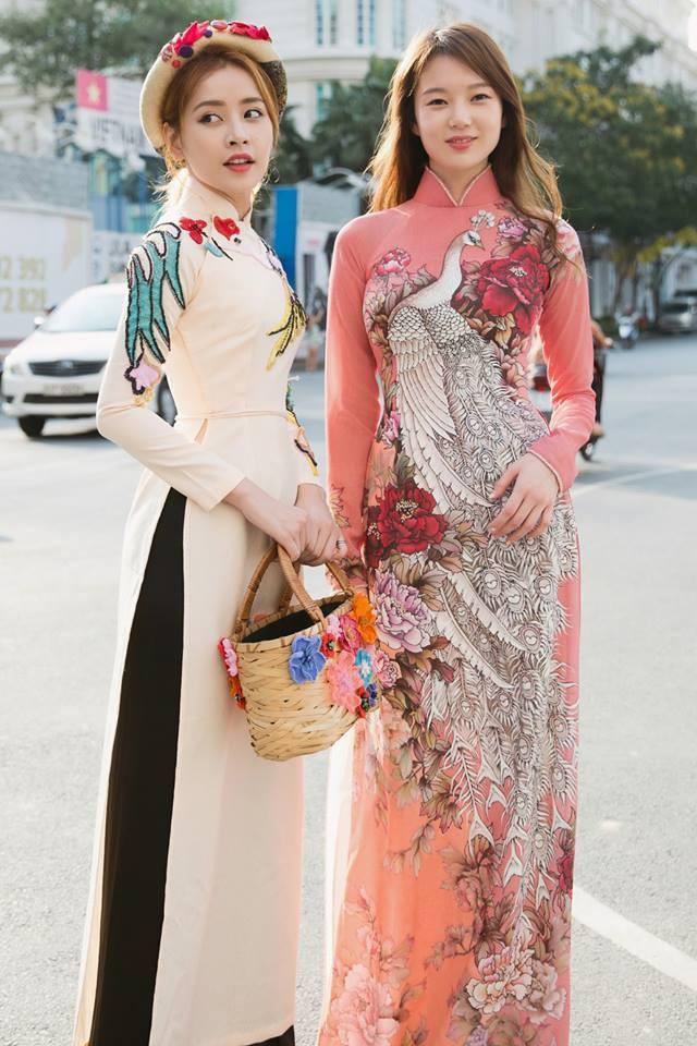 Áo dài cổ cao truyền thống có phần cổ cao từ 4-5cm