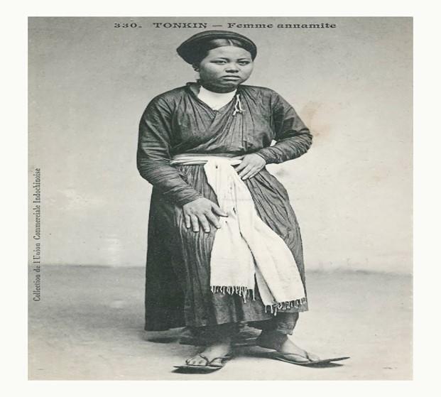 Hình ảnh chiếc áo giao lãnh của phụ nữ Việt thời xưa