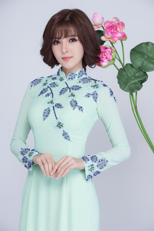 áo dài màu xanh ngọc được cô dâu lựa chọn nhiều trong ngày trọng đại