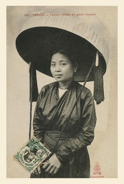 Áo giao lãnh được xem là nguyên gốc của áo dài Việt Nam xưa