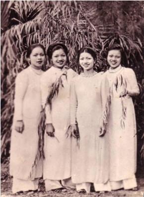 Hình ảnh những thiếu nữ Hà Nội trong chiếc áo dài Lemur