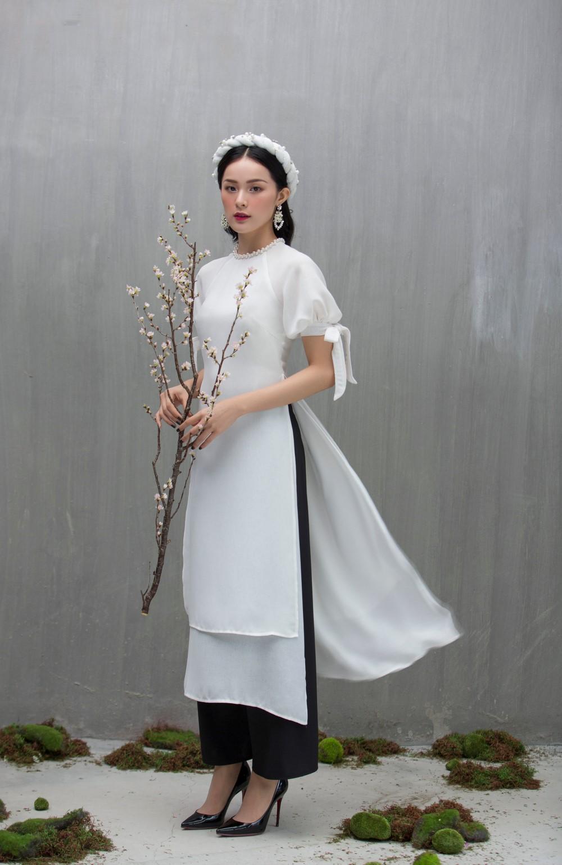 Người mẫu Hạ vi trong bộ áo dài cách tân