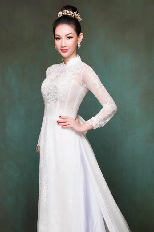 Áo dài cưới kết hoa mang vẻ đẹp trong trắng, thuần khiết
