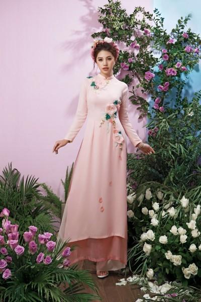 Áo dài đính hoa dễ thương
