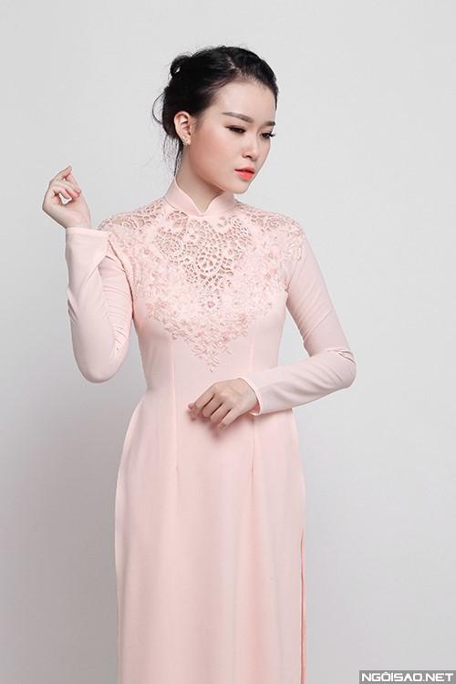 Thêm một mẫu áo dài cưới màu hồng phấn đầy ngọt ngào