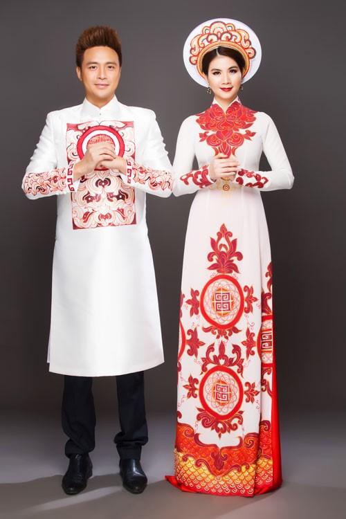 Tông màu chủ đạo trắng đỏ tạo nên nét thanh lịch cho cặp đôi