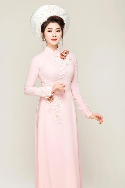 Tươi sáng trong ngày trọng đại với áo dài cưới màu hồng phấn nữ tính
