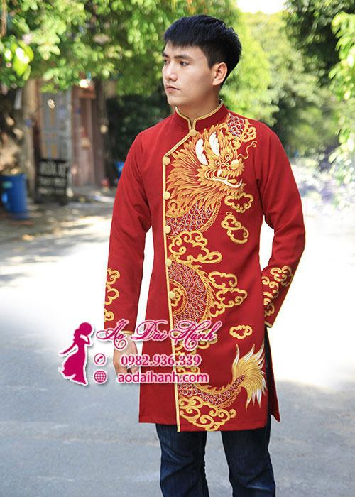 Áo dài nam màu đỏ chụp hình Tết họa tiết rồng